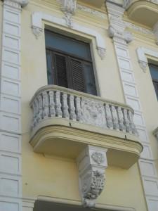Einer der vielen alten und schönen Balkone